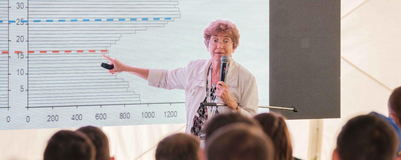 Наталья Зубаревич рассказала участникам «Форсажа» о трендах, проблемах и путях развития регионов